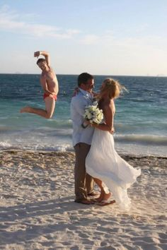 As you can see this beach wedding ceremony went perfect...| #Funny #Weddings #Pictures #Memes