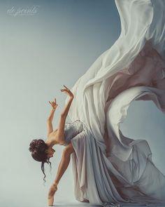 Stunning Aleksandra Panchenko captured by Daria Filatova Ballet as Art ♥️ . … Stunning Aleksandra Panchenko captured by Daria Filatova Ballet as Art ♥️ . Art Ballet, Ballet Dancers, Ballerinas, Ballet Painting, Body Painting, Ballet Photography, Photography Poses, Amazing Dance Photography, Horse Girl Photography