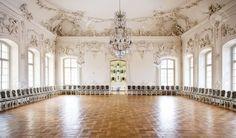 13244119-Great-Hall-Ballroom-in-Rundale-Palace-Latvia-Stock-Photo-interior-ballroom-castle.jpg (1300×762)