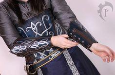 Elvish leather bracers,costume,armor,cuir,armure,larp,fantasy,elven,elf,medieval,thudor