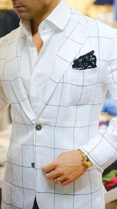 Square, pocket square styles, pocket squares, suit fashion, fashion t Gentleman Mode, Gentleman Style, Gentleman Fashion, Dapper Gentleman, Sharp Dressed Man, Well Dressed Men, Mens Fashion Suits, Mens Suits, Suit Men