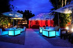For many clubbers in Ibiza, it is Pacha, Space and other world-famous clubs, but don't forget to take advantage of the numerous bars which the island has to offer. Ibiza Restaurant, Japanese Bar, Ibiza Party, Magic Island, Hotels, Pre Party, Ibiza Fashion, Outdoor Living, Outdoor Decor
