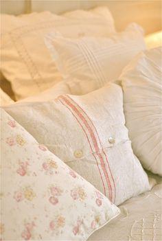 pillows   Fabulous minds