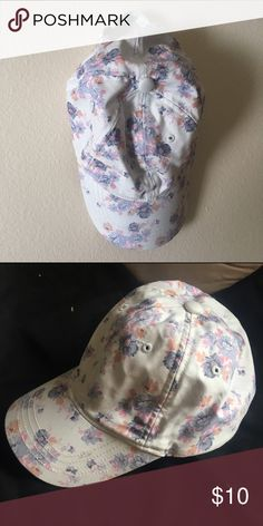 American Eagle Floral Hat NWOT American Eagle Floral Hat. Perfect condition. American Eagle Outfitters Accessories Hats