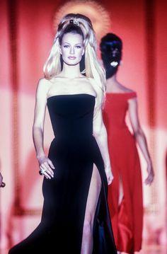 Versace HC F/W 1992  Model: Karen Mulder