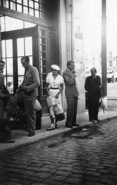 Κυρία με λευκά το 1935 #01