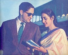 The gorgeous Nutan with husband Rajnish Bahl ( in 1961). In October1959, Nutan got married to Rajnish Bahl, a naval Lieutenant Commander, who was chosen for her by her parents. The couple had a son, Mohnish Bahl, in 1961, who went on to become a popular television and film actor. Nutan's husband Rajnish Bahl died in 2004 after a fire broke out in his apartment. Vintage Bollywood, Indian Bollywood, Bollywood Stars, Best Bollywood Movies, Lt Commander, Best Actress Award, Indian Star, Indian Film Actress, Indian Movies