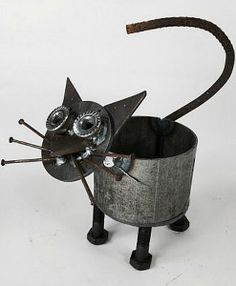 Cat Flower Pot from recycled metal pieces
