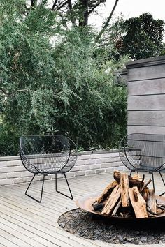 Godsell House by David Godsell – Feature – Mid-Century Architecture – VIC – modern landscape design front yard Modern Landscape Design, Modern Landscaping, Outdoor Fire, Outdoor Living, Recycler Diy, Modern Front Yard, Outdoor Spaces, Outdoor Decor, Fire Pit Backyard