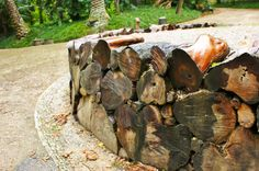 Retaining wall made of logs | by KarlGercens.com GARDEN LECTURES