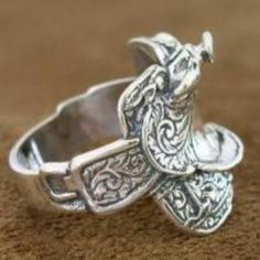 Sterling Silver Saddle ring - finally found them for sale and they're in mens sizing! Now what man is going to wear that? Equestrian Jewelry, Horse Jewelry, Cowgirl Jewelry, Western Jewelry, Ethnic Jewelry, Bohemian Jewelry, Cute Jewelry, Jewelry Box, Silver Jewelry