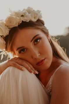 Our new Eden collection is available on our online shop. Photo by Rose Gold Pearl, Walking In Nature, Luxury Jewelry, White Gold Diamonds, Jewelry Collection, Wedding Bands, Jewelry Design, Fashion Jewelry, Wedding Photography