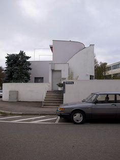 stuttgart / weissenhofsiedlung - Scharoun Hans Scharoun, Ludwig Mies Van Der Rohe, Historical Monuments, Le Corbusier, Modernism, Bauhaus, Modern Architecture, Building A House, Cities