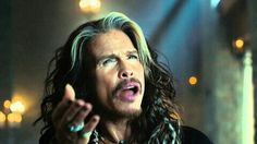 #LaRealnoticia Video: Steven Tyler en Comercial para el Super Bowl 50http://ht.ly/XXOBv