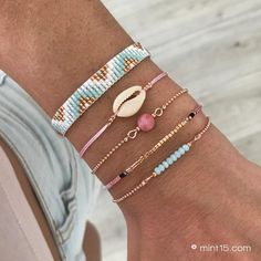 Handmade Jewelry Bracelets, Woven Bracelets, Boho Jewelry, Beaded Jewelry, Jewellery, Loom Bracelet Patterns, Minimalist Jewelry, Creations, Seashell Crafts