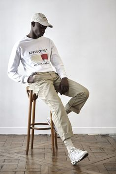 pants and socks Urban Fashion, Mens Fashion, Fashion Trends, Fashion Lookbook, Street Fashion, Men Street, Street Wear, Street Culture, Fashion Poses