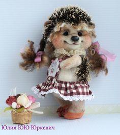Ежуля Куся. - Ёжик,авторская игрушка,интерьерная игрушка,ежики,тедди,тедди ежик Happy Hedgehog, Hedgehog Craft, Cute Hedgehog, Felt Animals, Cute Animals, Felt Baby, Felt Toys, Felt Ornaments, Hobbies And Crafts