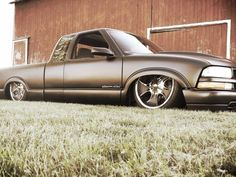 Truck inspiration blacked out air ride Bagged Trucks, Mini Trucks, New Trucks, Custom Trucks, Chevy Trucks, Pickup Trucks, Chevy S10 Xtreme, Lowriders Cars, Grounded For Life