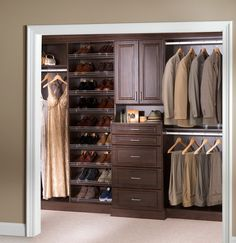 Wooden closet organizers - Keeping everything squared away in your closet can be quite difficult when little space. Wood closet organizers allow you to Dorm Storage, Closet Shoe Storage, Wardrobe Storage, Closet Shelves, Storage Ideas, Organization Ideas, Storage Systems, Shoe Racks, Wardrobe Closet