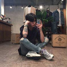 Ughzzang — Tatto'd Ulzzang // Ughzzang Cute Asian Guys, Cute Korean Boys, Asian Boys, Cute Guys, Hot Asian Men, Korean Boys Ulzzang, Korean Men, Ulzzang Girl, Ullzang Boys