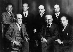Freud and other psychoanalysts 1922 - ジークムント・フロイト - Wikipedia