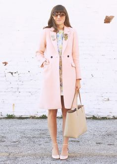 Loving this fall style from Emilee Anne. She styles our blush pink double-breasted coat with a pastel floral dress and vintage accessories | Banana Republic