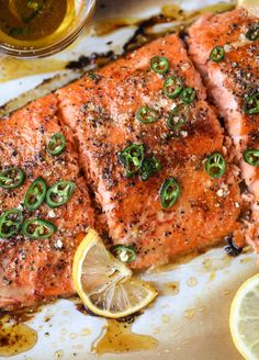 Hot Honey Salmon Recipe - Hot Honey Roasted Salmon This hot honey salmon is flakey and buttery with a hint of heat and a spritz of lemon. It's an easy weeknight meal and is delicious on salads for lunch! Salmon Recipes, Fish Recipes, Seafood Recipes, Dinner Recipes, Cooking Recipes, Healthy Recipes, Clean Recipes, Eat Healthy, Gastronomia