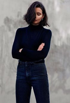 Short Hairstyles : 5 New Black Hairstyles For your Short Hair for 2019 - Have A Look! Do you need black short hairstyle for you as an owner of black hair? Then click New Black Hairstyles, Trendy Hairstyles, Grunge Hairstyles, Girl Hairstyles, Medium Hair Styles, Curly Hair Styles, Hair Medium, Short Hair Outfits, Trendy Mood