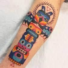 Get ready to see some of the most unique tatoos ever, because you will be awed by their creativity. Who knew tattoos could be so fun and vibrant?Scroll down to see the brilliant tattooist unveil the most colorful and vintage tattoos! Epic Tattoo, Arm Tattoo, Tattoo Art, Totem Pole Tattoo, Tattoos With Meaning, Color Tattoo, Whale, Vibrant, Vintage Tattoos