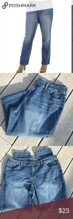 """🆕 Ruff Hewn Plus Size Jeans Very good condition with little signs of wear (some pilling noted on interior pocket linings)--otherwise good shape. Nicely worn in, very soft, tapers down toward the ankles. 78% cotton, 20% polyester, 2% spandex. Waist measures approx. 18"""" side to side, front rise is about 10 1/4"""" and inseam is about 30.5 - 31"""". Faded design on thighs and buttocks. Ruff Hewn  Jeans"""