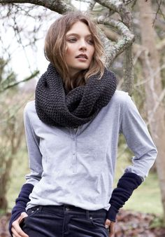 seed stitch snood. I have something very similar on the needles!