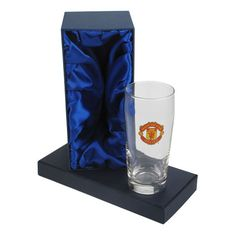 Personalised Manchester United Pint Glass in Gift Box - £20.99