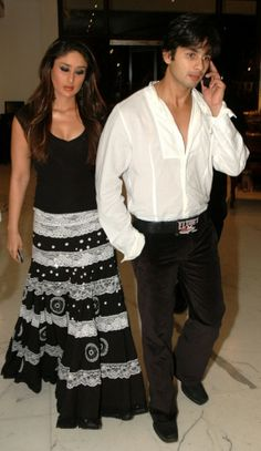 Shahid Kapoor and Kareena Kapoor Indian Celebrities, Bollywood Celebrities, Bollywood Actress, Bollywood Photos, Bollywood Fashion, Bollywood Stars, Chic Outfits, Fashion Outfits, Sexy Outfits