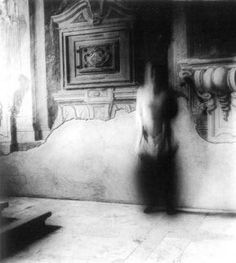 Francesca Woodman; her work is haunting and almost surreal. http://scarabocchiarte.blogspot.it/2013/07/il-corpo-esprime.html?m=0