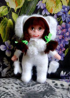 Купить или заказать Зая в интернет-магазине на Ярмарке Мастеров. Девчушка в костюме зайчика,капюшон съемный,варежки можно одевать и снимать,стоит с опорой,ручки двигаются,волосы из шерсти для валяния,глазки на клее.