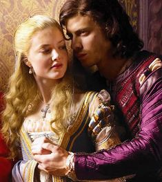 Holiday Grainger and Francois Armand in The Borgias Os Borgias, Lucrèce Borgia, Francois Arnaud, Holliday Grainger, Italian Renaissance, Renaissance Dresses, Avatar, Russian Ballet, Hemlock Grove