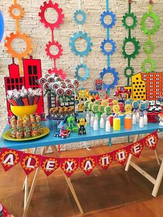 Find creative and easy boys birthday party ideas, including craft how-to's, food and drink recipes, party games. Kids Birthday Themes, Birthday Party Games, 6th Birthday Parties, Birthday Party Decorations, Boy Birthday, Parties Decorations, Kid Parties, Happy Birthday, Transformer Party