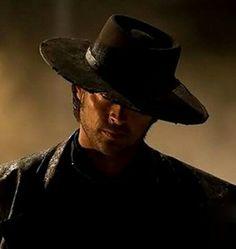 Karl Urban - black hat