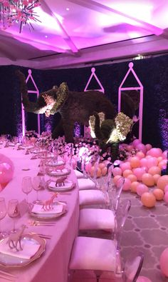 Inside Khloé Kardashian's Balloon-Filled, Perfectly Pink Baby Shower — See the Photos - Khloe Kardashian's baby shower - Khloe Kardashian Baby Shower, Khloe Baby, Kim Kardashian, Kardashian Wedding, Office Baby Showers, Baby Shower Parties, Baby Shower Photos, Baby Shower Gender Reveal, Baby Shower Decorations For Boys