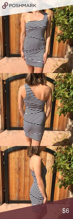 Forever 21 Striped Dress *HAS PILING* Price reflects condition. Measurements upon request Forever 21 Dresses One Shoulder