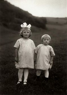 August Sander | Farm Children, c. 1928 ©