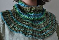 Free+Knitting+Pattern+-+Cowls+and+Neck+Warmers:+Collar+Cowl