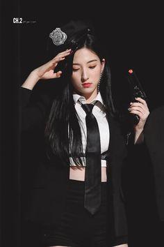 ❝ i love you to the moon and back ❞ Yuehua Entertainment, Starship Entertainment, South Korean Girls, Korean Girl Groups, My Girl, Cool Girl, Bubblegum Pop, Cheng Xiao, Teen Celebrities