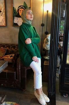 Modern Hijab Fashion, Abaya Fashion, Muslim Fashion, Modest Fashion, Fashion Outfits, Casual Hijab Outfit, Hijab Chic, Muslim Girls, Muslim Women