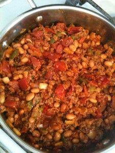 Easy vegan chili with soy chorizo