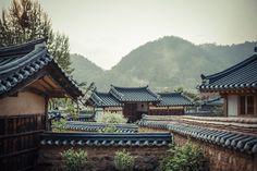이미지 원래 크기로 보기 Korean Traditional, Traditional House, Architecture Old, Travel Around The World, Wonderful Places, South Korea, Seoul, Kpop, Totoro
