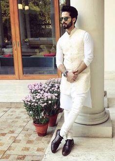 A white kurta-churidar set from Tisa Studio, paired with an off-white bandi. Sherwani For Men Wedding, Wedding Dresses Men Indian, Wedding Outfits For Groom, Wedding Dress Men, Sherwani Groom, Groomsmen Outfits, Wedding Couples, Mens Indian Wear, Mens Ethnic Wear