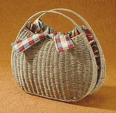 pretty straw bag