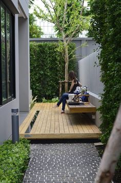 beautiful small garden design for small backyard ideas 43 Small Backyard Gardens, Backyard Patio Designs, Modern Backyard, Small Backyard Landscaping, Landscaping Ideas, Garden Modern, Small Patio, Pergola Patio, Narrow Backyard Ideas