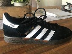 Vespa Gts, Adidas Samba, Adidas Sneakers, Shoes, Fashion, Moda, Zapatos, Shoes Outlet, Fashion Styles